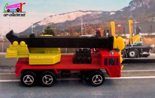 saviem-grue-majorette-1-132-228c-crane-truck-majorette