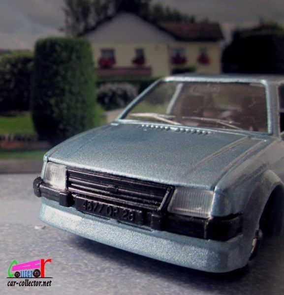 FASCICULE N°107 FORD ESCORT RS TURBO SOLIDO 1/43