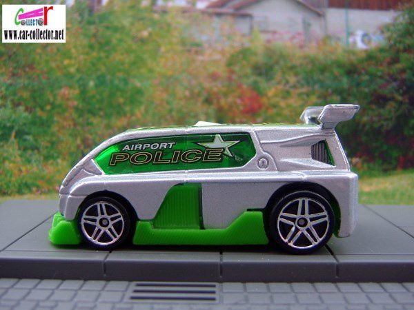 hyperliner-renault-espace-f1-concept-airport-police-cop-squad-2003-hot-wheels