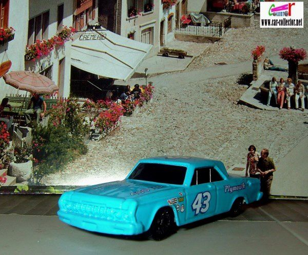 64 PLYMOUTH BELVEDERE HOT WHEELS 1/64.