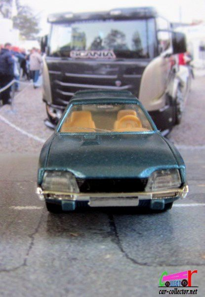 CITROEN CX 2400 BREAK SOLIDO 1/43.