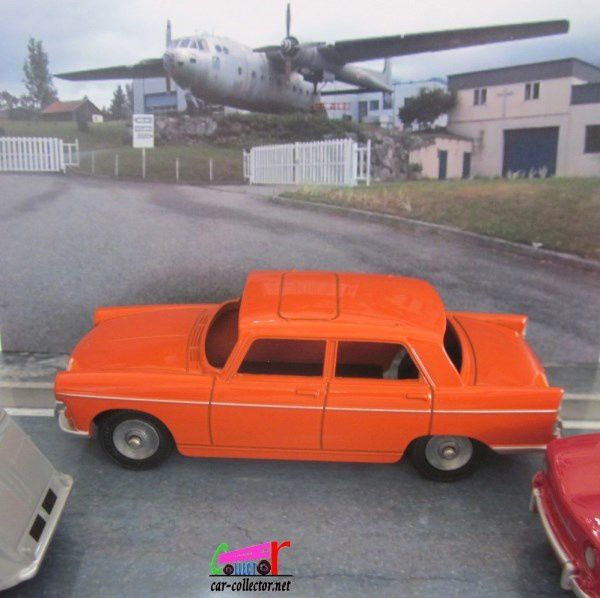 peugeot-404-orange-coffret-collector-dinky-junior-atlas-collection
