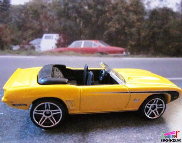 69-camaro-convertible-yellow-pack-5-2011