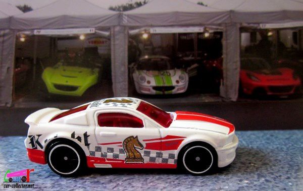07-ford-mustang-chekmate-echec-et-mat-2018-2089-hot-wheels