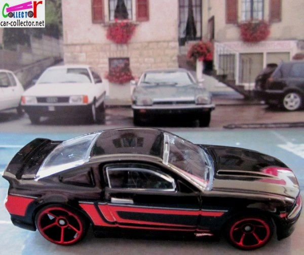 07-ford-mustang-5pk-american-turbo-2011-hot-wheels