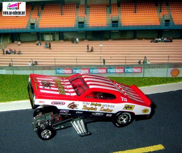 PLYMOUTH DUSTER 1974 ENGLISH LEATHER MONGOOSE HOT WHEELS 1/64 FUNNY CAR.