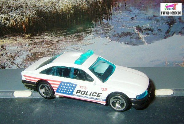 police-cruiser-holden-commodore-collector-1046-1999-hot-wheels