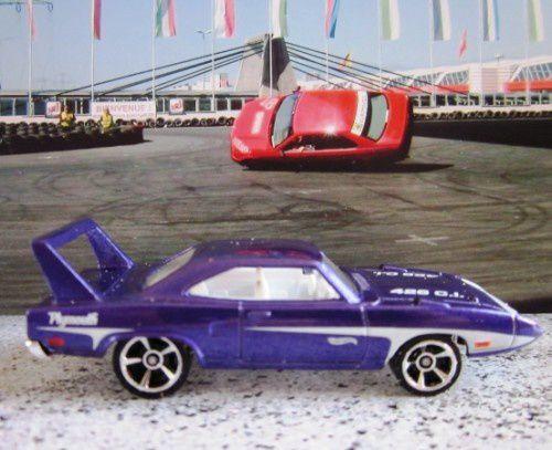 70-plymouth-superbird-daytona-hot-wheels-first-editions-2012-088-muscle-mania-mopar