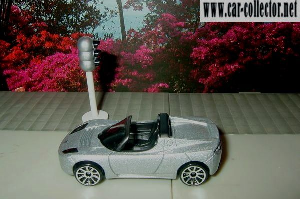 tesla-roadster-2008-silver-first-editions-hot-wheels