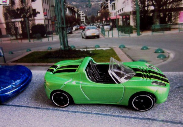 tesla-roadster-2008-2011-067-track-stars-hot-wheels-1-64
