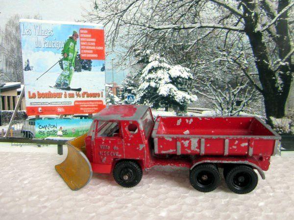 camion-bernard-chasse-neige-ville-de-megeve-rail-route-majorette-1-100