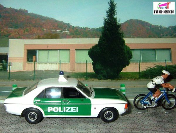 ford-granada-consul-saarland-1976-polizei-germany-vanguards-1-43-edition-limitee
