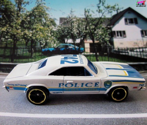 69-dodge-charger-ocala-police-main-street-hot-wheels-2011-166