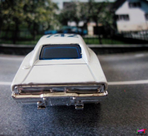 69 DODGE CHARGER HOT WHEELS 1/64.