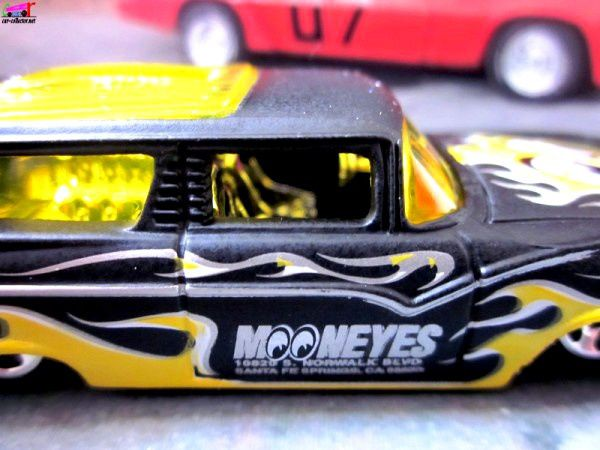 8 CRATE FORD FAIRLANE WAGON 1956 HOT WHEELS 1/64.