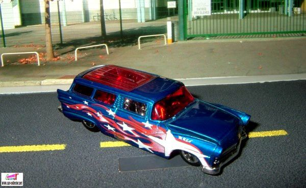 8-crate-ford-fairlane-wagon-1956-2006-210-hot-wheels