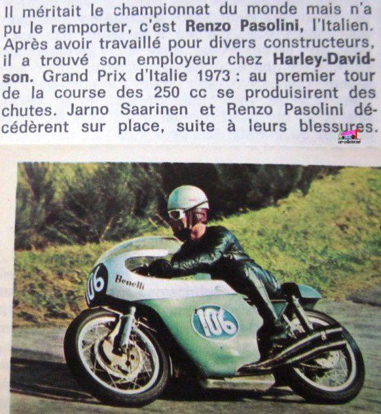 vignette-autocollante-panini-motos-en-action-renzo-pasolini-benelli-grand-prix-moto-italie-1973-jarno-saarinen