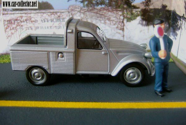 diorama-citroen-2cv-pick-up-travaux-routiers-la-ligne-jaune-paris-fontainebleau-rn7-altaya