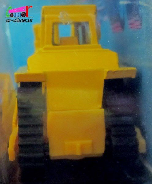 CAT BULLDOZER KETTENDOZER HOT WHEELS 1/64.