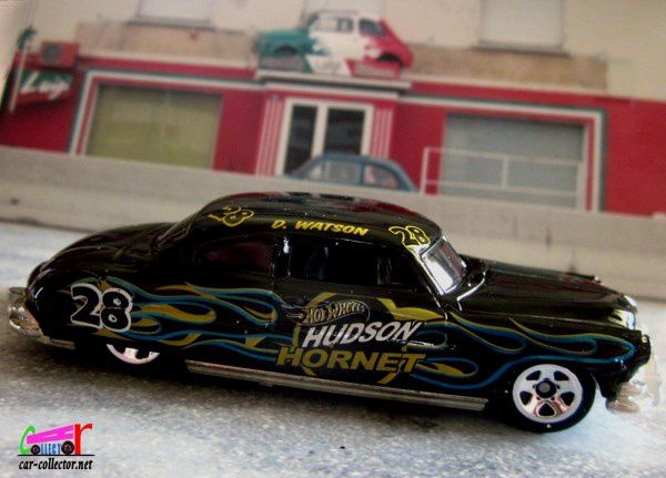 52-hudson-hornet-black-number-28-d-watson-hot-wheels-1-64