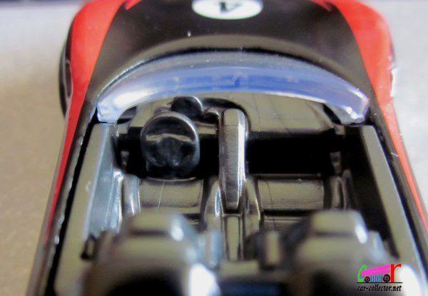 PORSCHE 918 SPYDER HOT WHEELS 1/64.