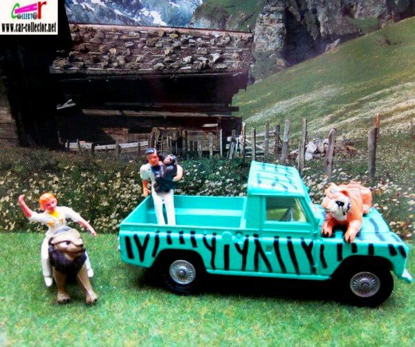 land-rover-daktari-serie-tv-corgi-1-36-docteur-marsh-tracy-paula-chita-le-chimpanze-clarance-le-lion