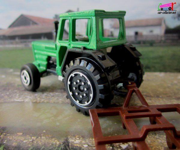 farm-tractor-tracteur-de-ferme-majorette