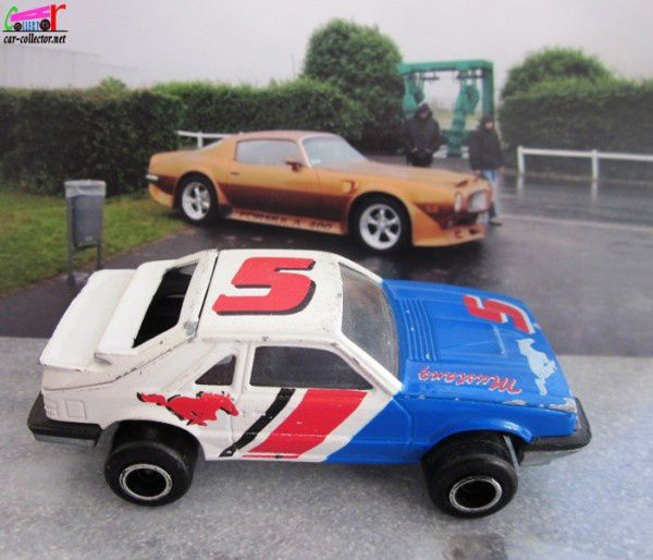 ford-mustang-svo-majorette-parking-circuit-nevers-magny-cours