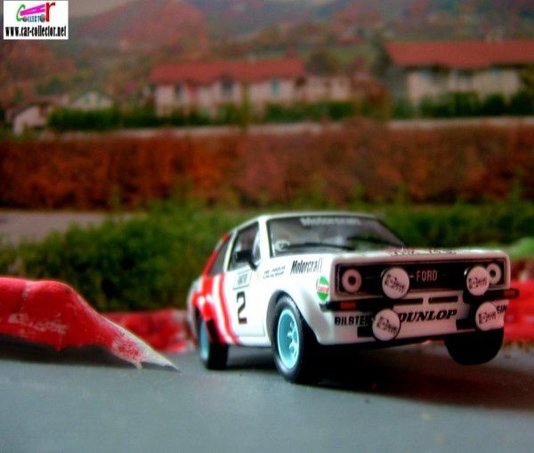 FASCICULE N°97 FORD ESCORT RS 1800 MKII 1979 MONTE CARLO IXO 1/43.