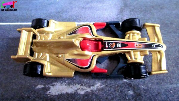 F1 RACER HOT WHEELS 1/64.