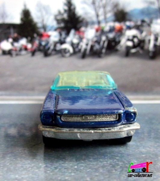 65 MUSTANG CONVERTIBLE HOT WHEELS 1/64 - FORD MUSTANG CABRIOLET 1965.