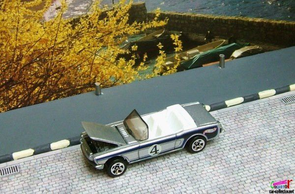 65-mustang-convertible-2002-147-hot-wheels-ford-mustang-cabriolet-1965