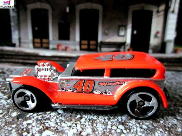 the-prowler-the-demon-32-ford-sedan-customisee-lil-coffin-racing-series-2001