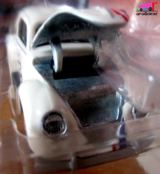 VW BEETLE - VOLKSWAGEN COCCINELLE MAJORETTE 1/64.