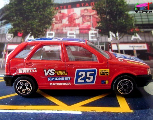 fiat-tipo-rally-burago-1-43-pirelli-pioneer-serie-4100-football-arsenal-londres-london