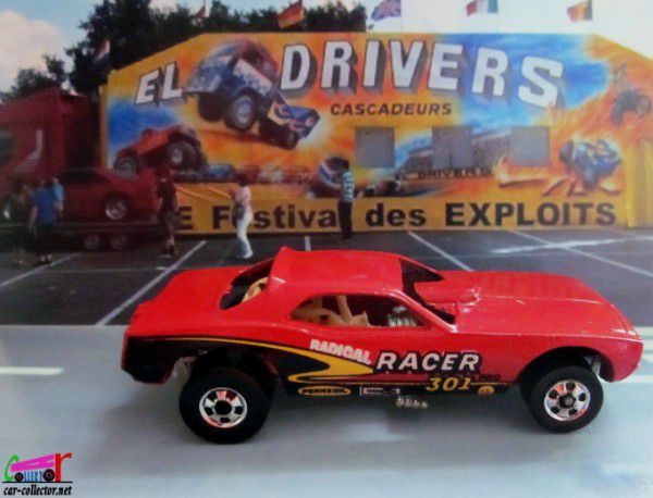 top-eliminator-red-plymouth-barracuda-funny-car-radical-racer-301-hot-wheels-1-64