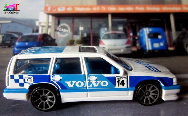 volvo-850-estate-hot-wheels-race-day-1-64-grand-epagny-annecy