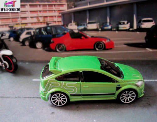 09-ford-focus-rs-green-2009-all-stars-hot-wheels-2010-123