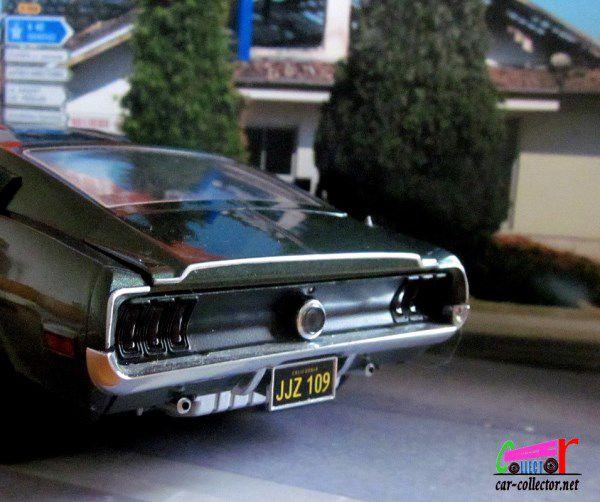 1968 FORD MUSTANG GT BULLITT GREENLIGHT 1/18.