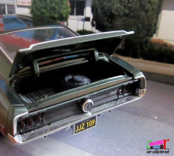 1968 FORD MUSTANG GT BULLITT GREENLIGHT 1/18.