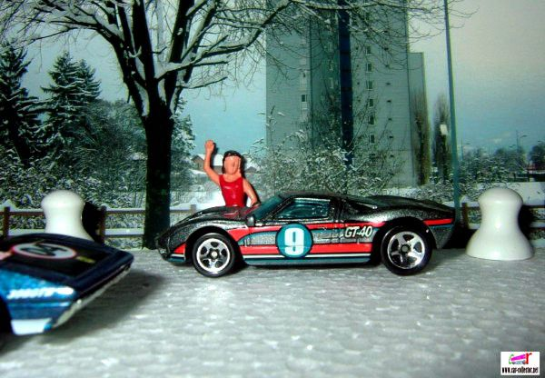 ford-gt-40-2003-176-track-aces-series-hot-wheels