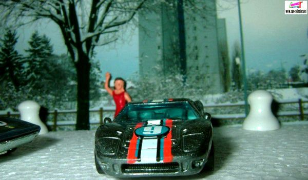 FORD GT 40 1967 HOT WHEELS 1/64.