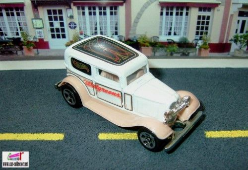 32-ford-delivery-ford-sedan-1932-walgreens-exclusive-hot-wheels-2002