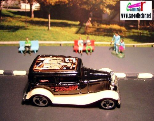 32-ford-delivery-ford-sedan-1932-circus-on-wheels-hot-wheels-2000-026