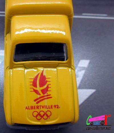 renault-4-fourgonnette-r4-la-poste-jeux-olympiques-altberville-1992-solido-1-43
