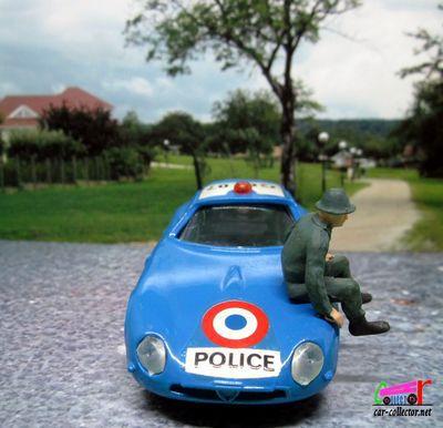 alfa-romeo-giulia-tz-zagato-police-des-autoroutes-solido-1-43