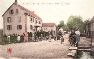 cpa-badevel-rue-animee