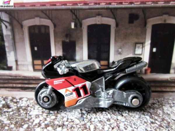moto-ducati-1098r-thrill-racers-volcano-hot-wheels