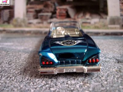 chevrolet-impala-1958-cabriolet-racing-champions-58-chevy-impala-convertible
