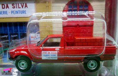diorama-peugeot-504-dangel-1983-macon-jose-da-silva-maconnerie-peinture-ixo-scale-1-43-vehicules-utilitaires-altaya-collections